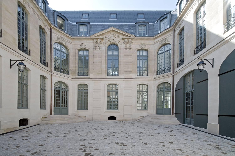 HÔTEL D'ÉVREUX, PARIS