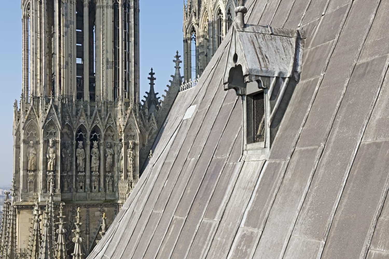 Cathédrale de Reims parties hautes du flanc sud de la nef